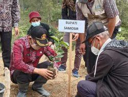 Mendukung Program Kerja 100 Hari, Starbucks Farmer Support Center Laksanakan Penanaman Perdana Bibit Kopi Di Samosir