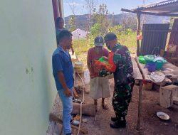 Pos Mahen Satgas Pamtas Yonif 742/SWY Bagi Sembako Untuk Warga Lansia