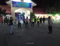 Polres Sumbawa Patroli Malam Tegakan PPKM Dan Bagikan Masker